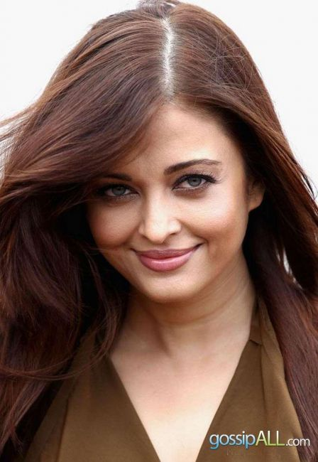 Aishwarya Rai at Cannes Hot Closeup. Looking Sexy