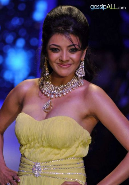 Kajal Aggarwal Flaunts Huge Milky Cleavage in Yellow Gown On the Ramp